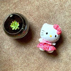 Hello kitty doll plushie
